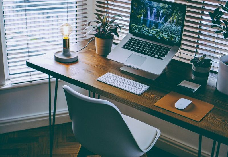 4 Essentials for the perfect home student office set-up